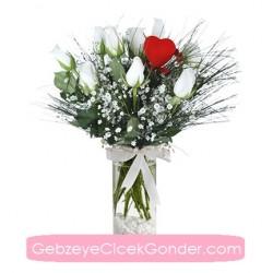 Beyaz Güller ve Kırmızı Kalpler